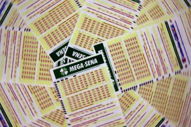 Apostas de Curitiba, Cascavel e Vitorino acertam cinco números da Mega-Sena e faturam R$ 90 mil