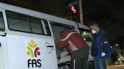 Frio: Equipes da Prefeitura de Curitiba ampliam atendimentos para oferecer abrigo a moradores em situação de rua