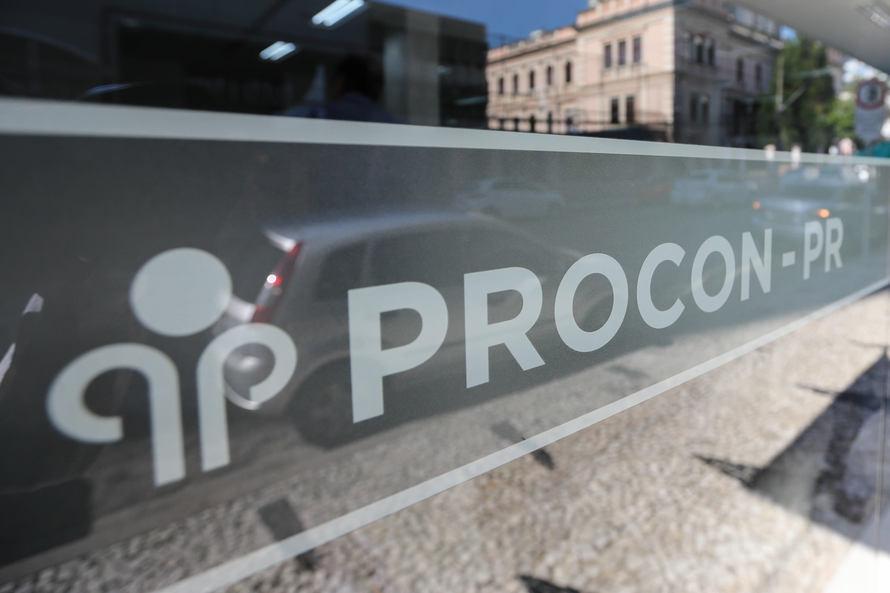 Procon-PR multa banco por empréstimos não solicitados