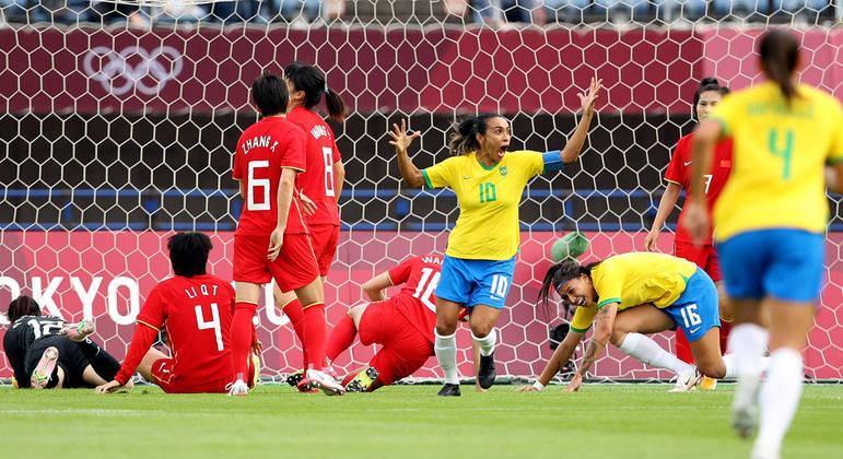 Saiba para quem Marta dedicou os gols na goleada do Brasil na estreia olímpica