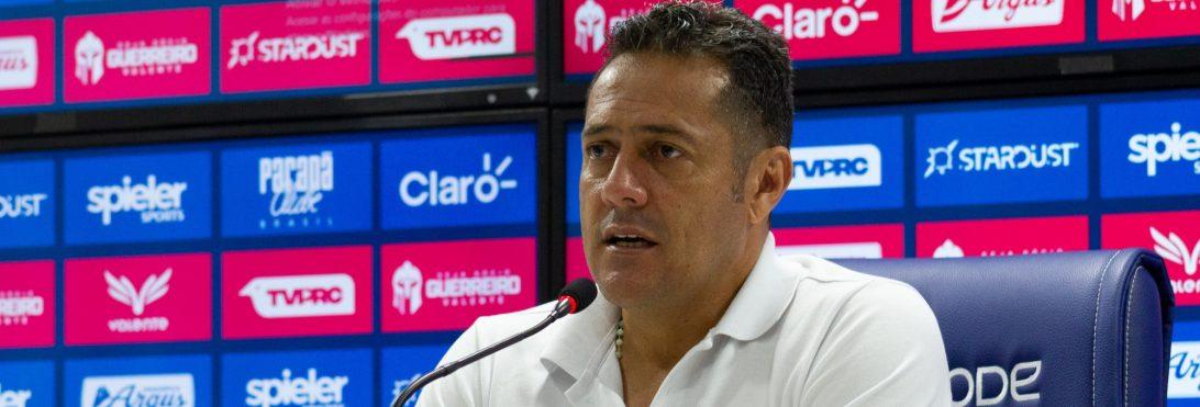Maurílio Silva deixa o comando técnico do Paraná Clube