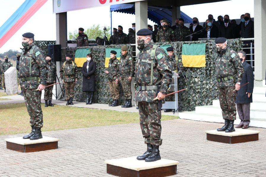 Divisão militar responsável por operações no PR e SC tem novo comandante