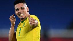 """""""Foi inesperado"""", diz Paulinho sobre bom primeiro tempo do Brasil diante da Alemanha"""