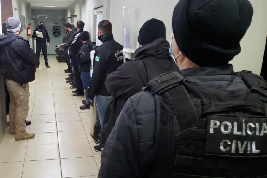 Suspeitos de lucrarem cerca de R$ 1,4 mi com fraude de documentos são presos