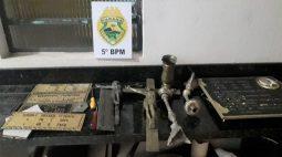Ladrão de placas de cemitério é encontrado pela PM dentro de táxi, em Londrina
