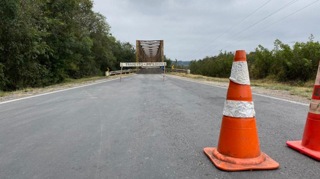 Ponte de ferro entre a Lapa e Campo do Tenente não tem data para ser reaberta