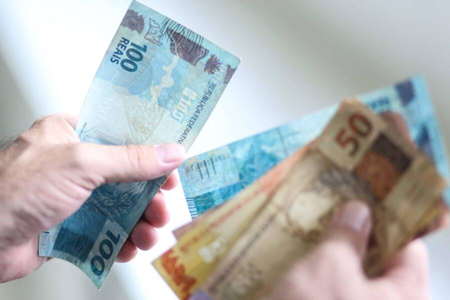 Homem mente que teve R$ 8 mil roubados para ganhar tempo com agiotas