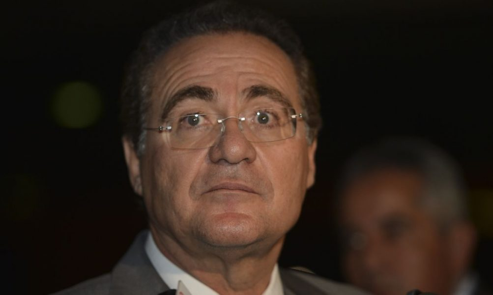 """PF vê """"indícios suficientes"""" de propina de R$1 mi a Renan Calheiros e senador é indiciado"""