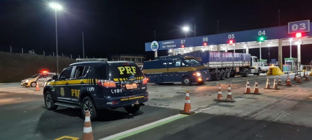 Facção criminosa fecha rodovia no Paraná em tentativa de roubo a carro forte