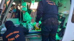 Trave de futebol cai em cabeça de criança de seis anos e a deixa inconsciente