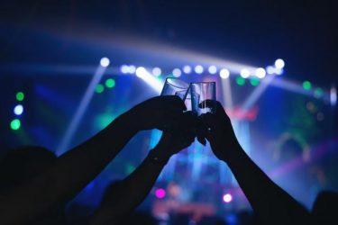 Paraná libera eventos com até mil pessoas e venda de bebidas alcóolicas na madrugada