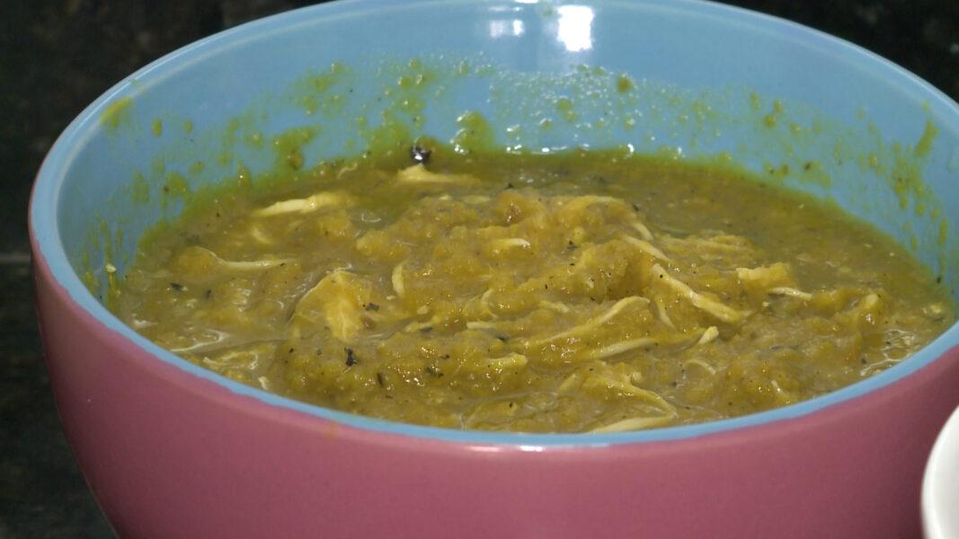 Aprenda a fazer sopa de cabotiá com castanha-do-pará para se aquecer no inverno
