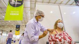 Curitiba se aproxima de 1 milhão de vacinados e atinge marca de 68% do público-alvo da vacinação