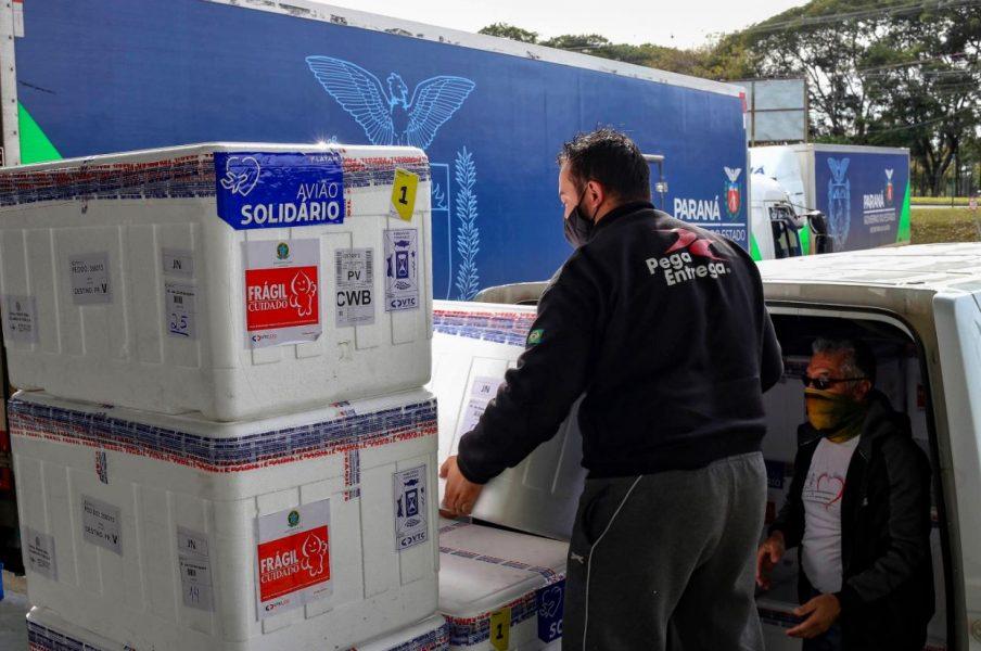 Paraná distribui 366 mil doses de vacinas hoje (5); confira a quantidade para cada regional