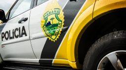 Homens arrancam bandido bêbado de dentro de caminhão e chamam a polícia