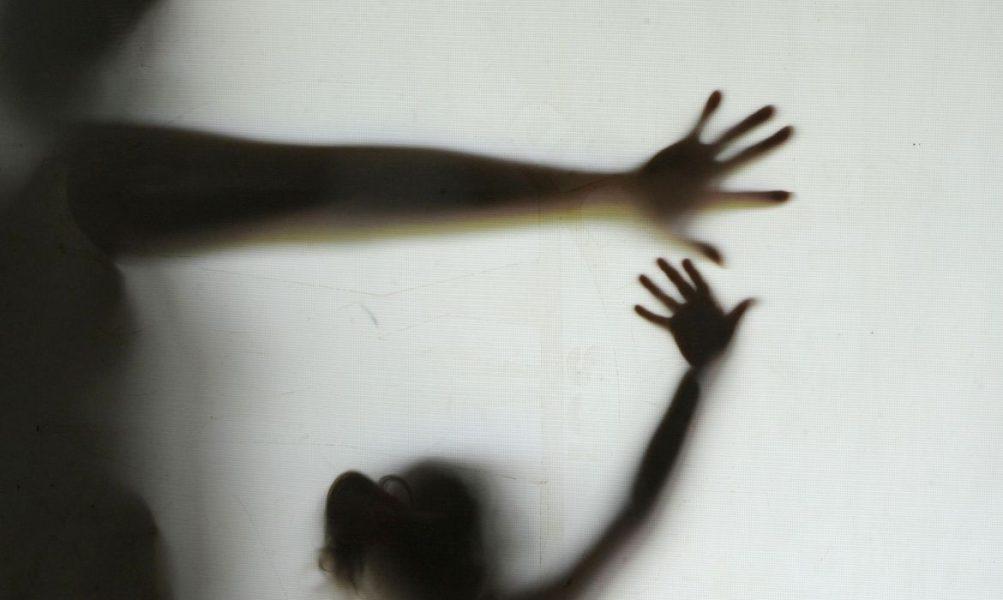 Adolescente que matou o pai adotivo em Marmelópolis (MG) teria sido agredida por ele
