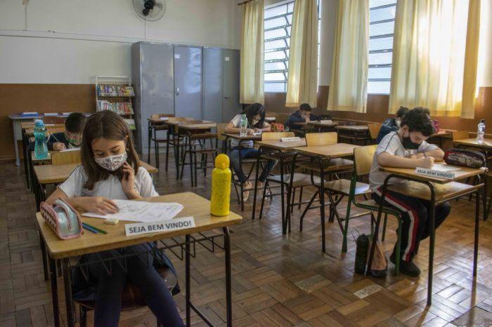Prefeitura de Curitiba extingue formato híbrido nas escolas e CMEIs