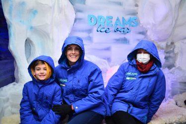Apresentadora Ana Hickmann e família passam o dia no Dreams Park Show