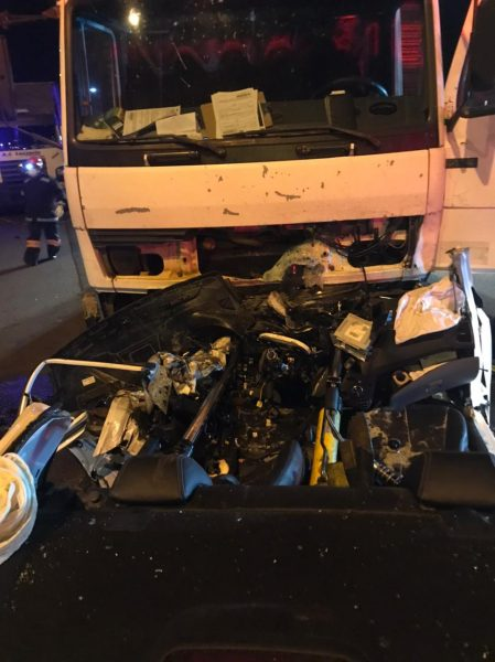 Motorista que dirigia na contramão é atingido por caminhão na PR-317