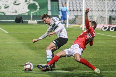 Coritiba joga mal o segundo tempo e leva empate do CRB no Couto Pereira