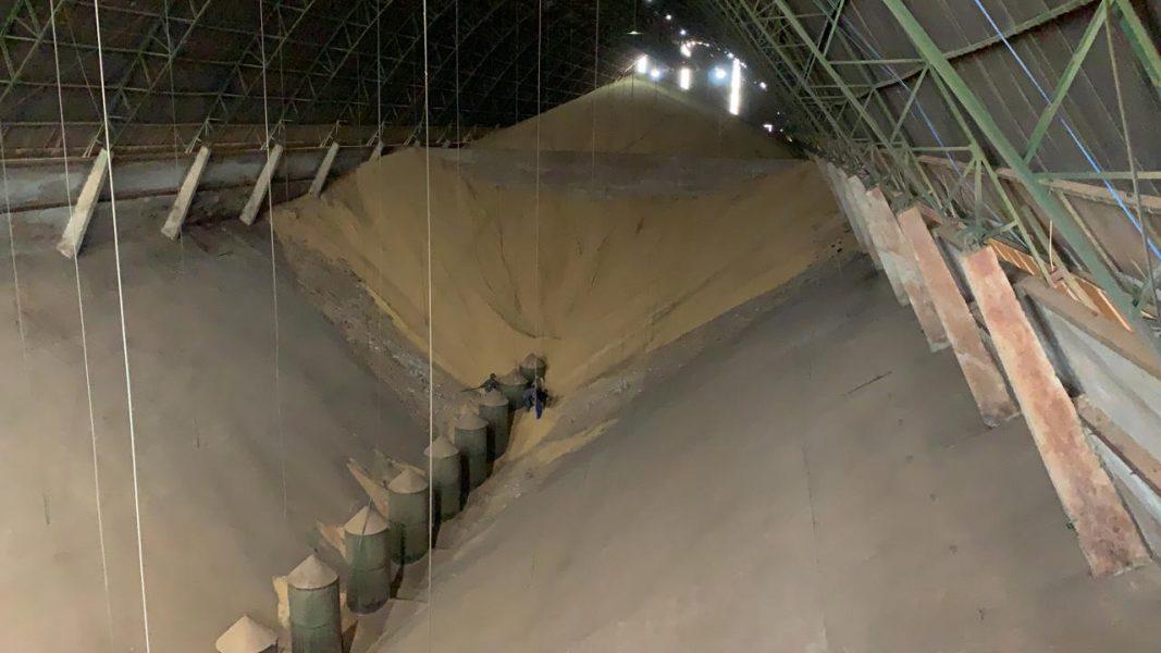 Trabalhadores são soterrados em silo de cooperativa em Floresta