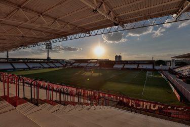 Atlético-GO x Athletico: onde assistir, desfalques, escalações e arbitragem
