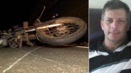 Caminhoneiro foge após se envolver em acidente que matou motociclista de 50 anos, em Cambé