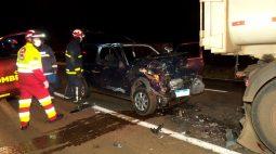 Uno fica destruído em acidente na BR-277 entre Cascavel e Santa Tereza do Oeste