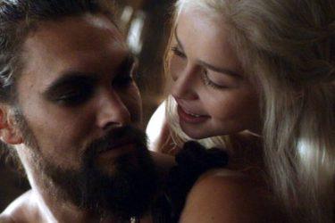 Game of Thrones: Momoa se incomoda com repórter por perguntar sobre cena de estupro