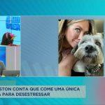 Jennifer Aniston conta que come uma única batata frita para aliviar o estresse