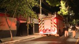 Vizinho salva idoso que estava dormindo durante incêndio, na zona oeste de Londrina