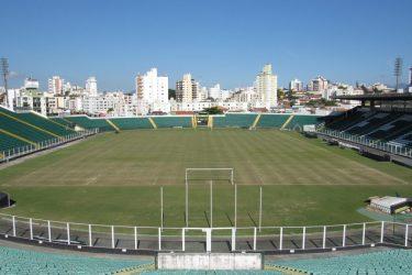 Figueirense e Paraná duelam em Santa Catarina no fechamento da rodada