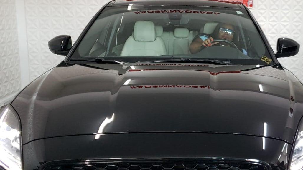 Jojo Todynho viaja até Curitiba, se encontra com affair e compra carro avaliado em R$ 300 mil