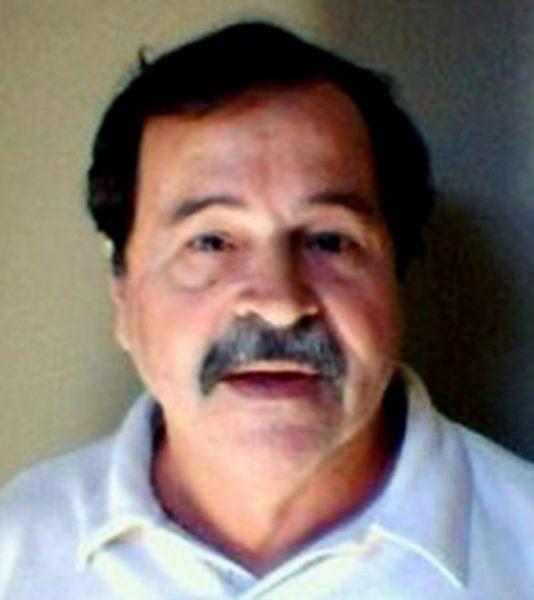Dublador Júlio Chaves morre vítima de covid-19