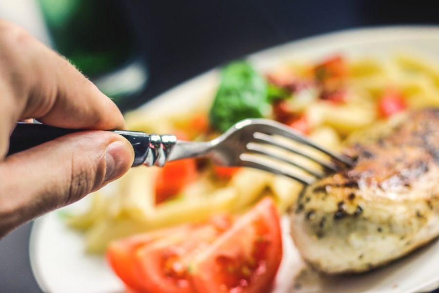 Confira seleção de restaurantes em Maringá para curtir o Dia dos Pais neste domingo (8)