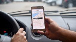 Motoristas de aplicativos com carteirinha vencida precisam se recadastrar em Curitiba