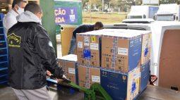 Paraná recebe doses e começa a distribuir 158,6 mil vacinas contra a Covid-19; veja divisão