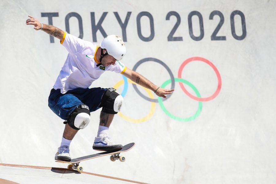 Com outros dois brasileiros na final, Pedro Barros conquista a medalha de prata no skate park