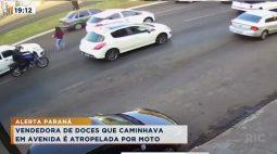 Vendedora de doces que caminhava em avenida é atropelada por moto