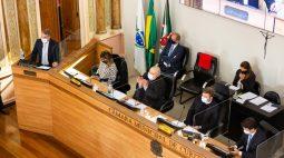 Greca presta contas na volta das sessões plenárias da Câmara de Vereadores de Curitiba