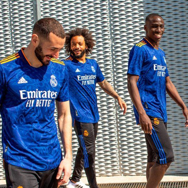 Com Marcelo e Vinicius Jr. de modelos, Real Madrid lança segundo uniforme: veja fotos
