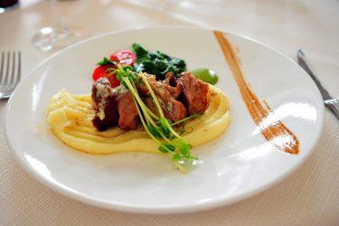 Confira uma seleção de restaurantes para curtir o Dia dos Pais no domingo (8) em Cascavel