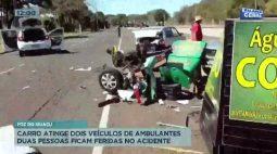 Carro atinge dois veículos de ambulantes duas pessoas ficam feridas no acidente
