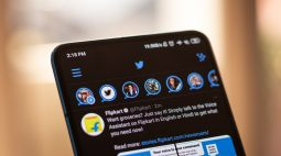 """Twitter anuncia fim da função """"fleets"""" e usuários se despedem postando nudes"""