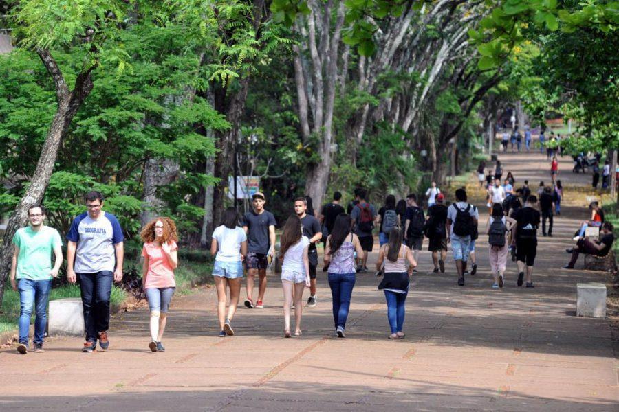 Mais de 1.5 mil estudantes são beneficiados com desconto ou isenção da taxa do Vestibular UEL 2022