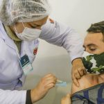 Curitiba vacina pessoas nascidas no ano de 1988 contra a Covid-19, nesta terça-feira (3)
