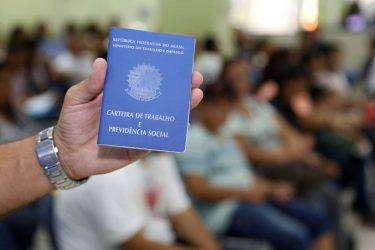 Vaga de emprego em Colombo: Agência do Trabalhador oferece 300 vagas para expediente em home office