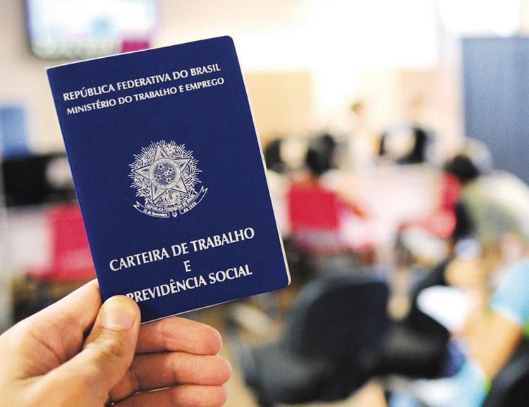 Atendente, Designer, Promotor de Vendas: confira as oportunidades de emprego em Curitiba e RMC