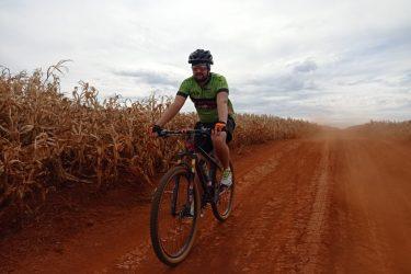 Pedalando, reportagem da RIC explora potencial do turismo rural de Maringá e região