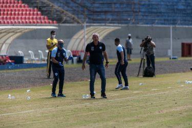 Márcio Fernandes exalta vitória contra o Vasco e vê Londrina em evolução na Série B